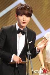 150903 korea broadcasting awards leeteuk (10)