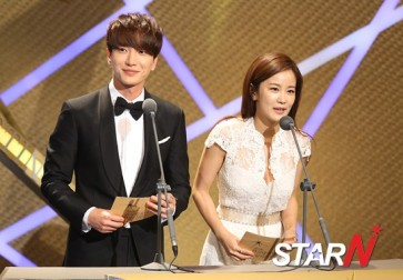 150903 korea broadcasting awards leeteuk (2)