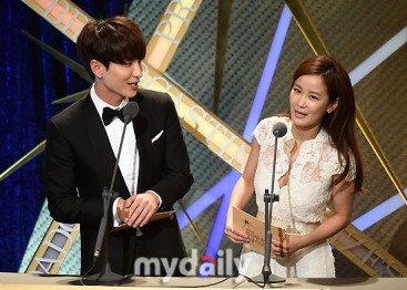 150903 korea broadcasting awards leeteuk (7)
