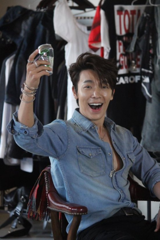 151028 ELF Japan Official Update with Eunhyuk and Donghae (4)