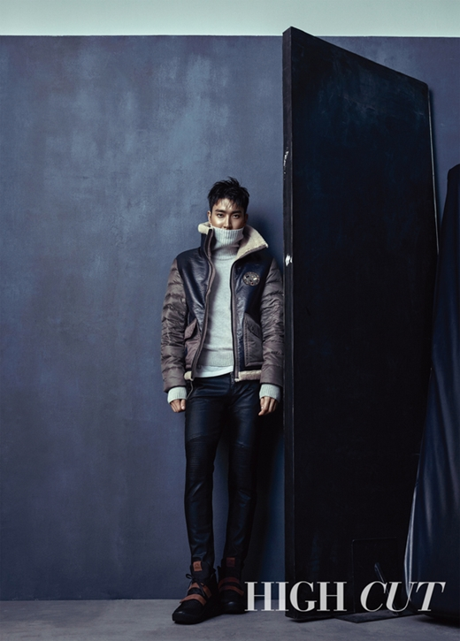 151118 high cut vol.162 - siwon (3)