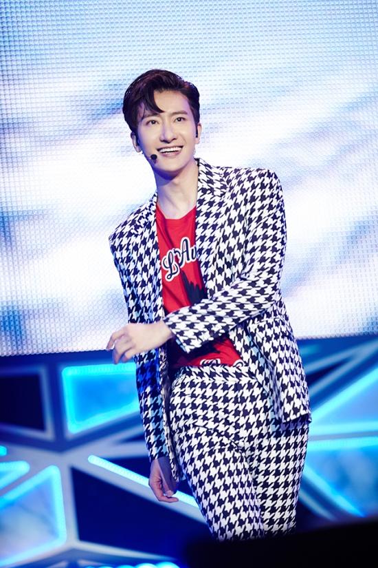 160718 SMTOWN Vyrl Update with Super Junior3