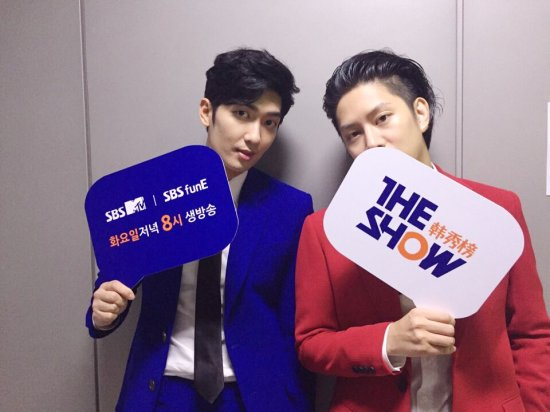 160719 sbsmtvtheshow Twitter Update with Heechula and Zhou Mi2