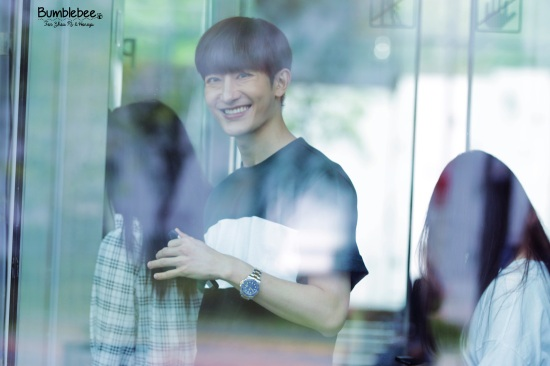 160726 Zhou Mi at SBS Prism Tower (5)