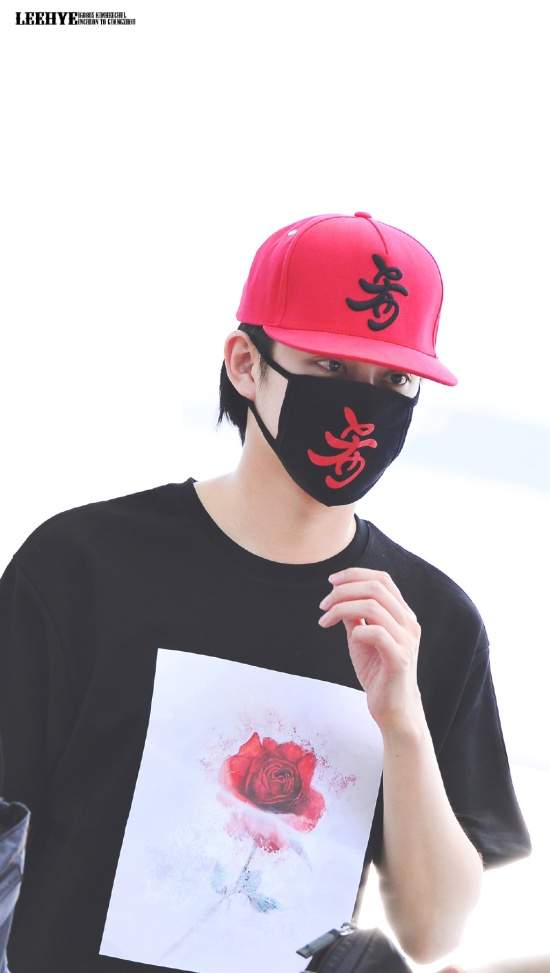 160805 Heechul at Incheon Airport (to Guangzhou)4