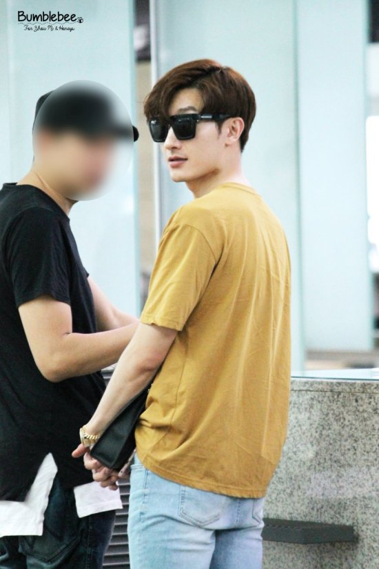 160806 Zhou Mi at Incheon Airport 2