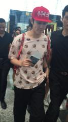 160829 Heechul at Guanzhou Airport 2