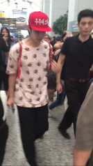 160829 Heechul at Guanzhou Airport 3