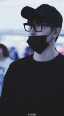 160829 Zhou Mi at Beijing Airport 4
