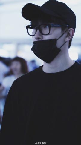 160829 Zhou Mi at Beijing Airport 6