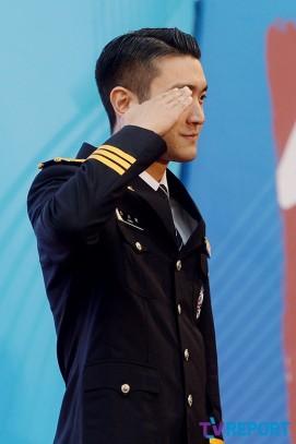 160831 police film festival siwon1