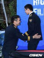160831 police film festival siwon12