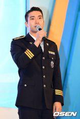160831 police film festival siwon15