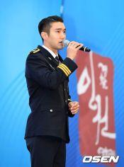 160831 police film festival siwon16
