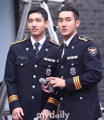 160831 police film festival siwon17