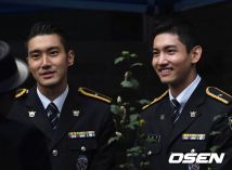 160831 police film festival siwon18