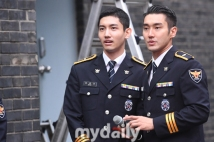 160831 police film festival siwon20