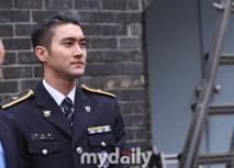160831 police film festival siwon23
