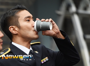 160831 police film festival siwon30