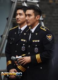 160831 police film festival siwon31