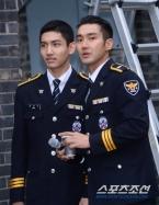 160831 police film festival siwon33