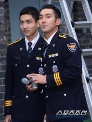 160831 police film festival siwon36