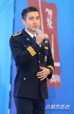160831 police film festival siwon40