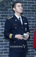 160831 police film festival siwon45