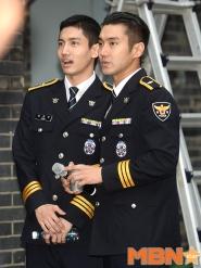 160831 police film festival siwon53