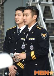 160831 police film festival siwon54