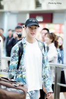 160906-henry-at-incheon-airport-to-beijing2