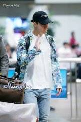 160906-henry-at-incheon-airport-to-beijing3