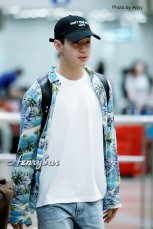 160906-henry-at-incheon-airport-to-beijing5