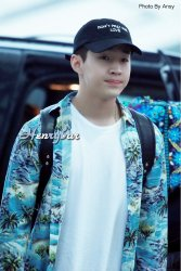 160906-henry-at-incheon-airport-to-beijing8