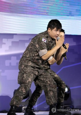 160910-official-defense-expo-korea-homecoming-day-with-shindong-sungmin-eunhyuk12
