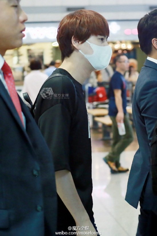 160911-kyuhyun-at-incheon-airport-from-thailand1