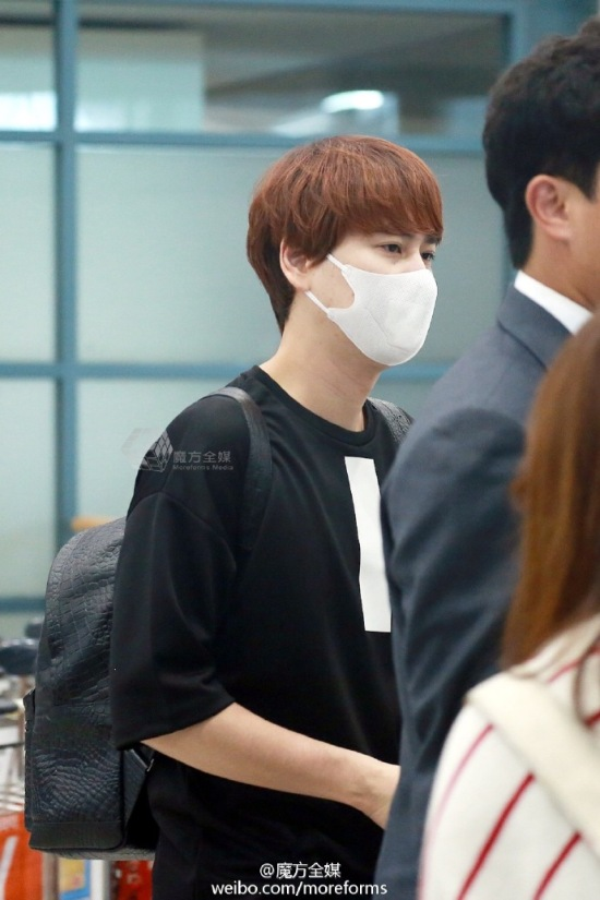 160911-kyuhyun-at-incheon-airport-from-thailand3