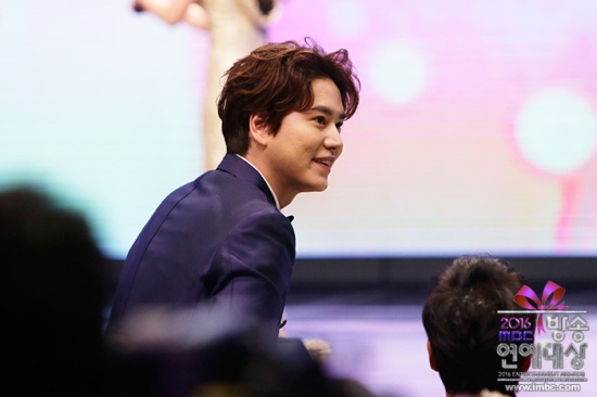 161230-official-mbc-entertainment-awards-update-with-heechul-and-kyuhyun-1