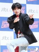 슈퍼주니어 은혁이 2일 오전 서울 마포구 상암동 JTBC 사옥에서 열린 JTBC 예능 `WHYNOT 더 댄서` 제작발표회에 참석해 포즈를 취하고 있다. 2018.5.2./뉴스1